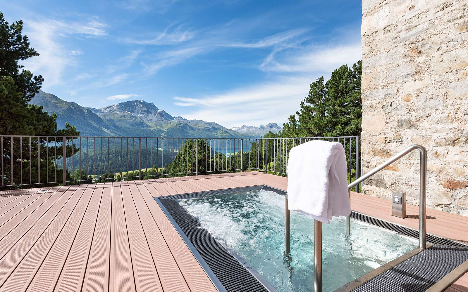 wellness whirlpool switzerland